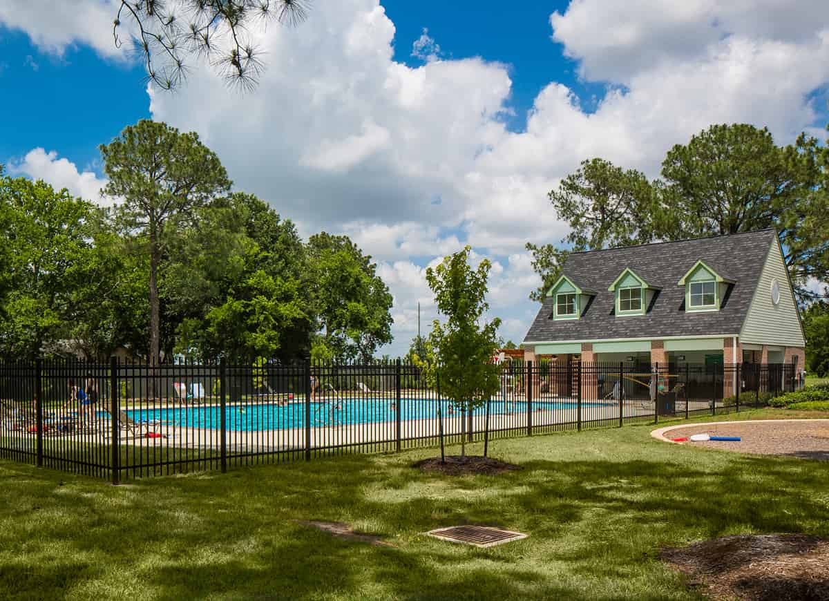 Lakecrest Communities Clubhouse and Pool